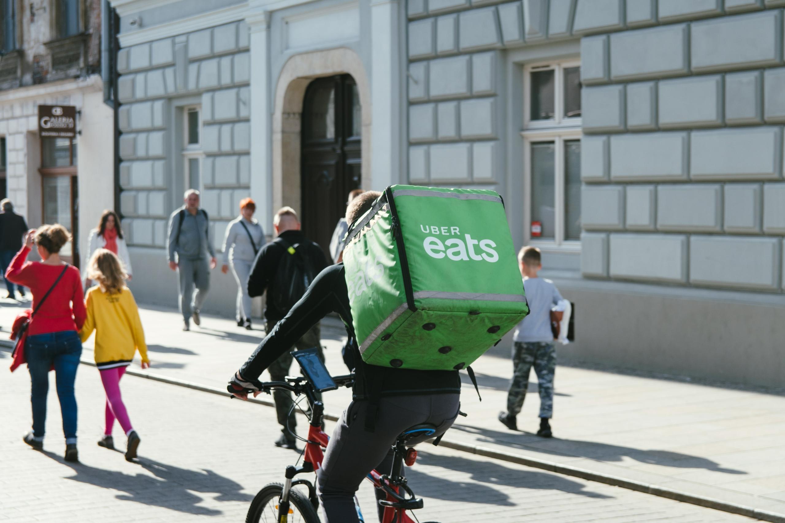 Uber, Deliveroo, etc. - Des représentants pour les travailleurs indépendants des plateformes de mobilité
